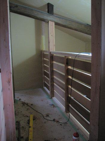 古材も加工すれば立派な素材です。住宅もエコの時代です。