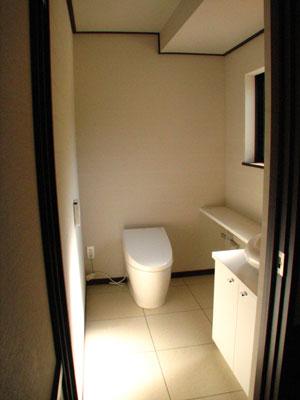 朝日が気持ちいいトイレ空間