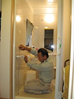 バリアフリー工事:浴室手摺の取付